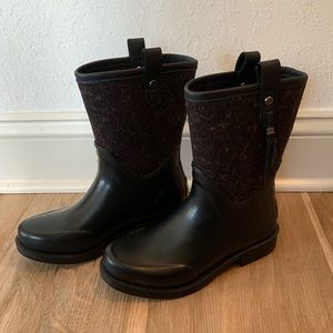 Ugg rain/snow insulated boots.